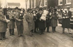 Carrying of theTorahsto thenewHebrew Home, Passover 1951